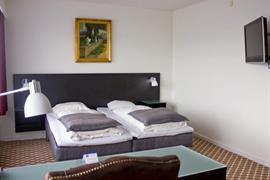 96080_007_Guestroom