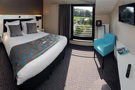 92910_000_Guestroom