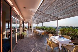 98188_001_Restaurant