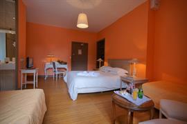 93412_006_Guestroom