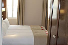 93734_006_Guestroom