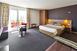 93520_005_Guestroom