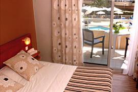 93520_006_Guestroom