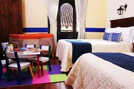 70251_005_Guestroom