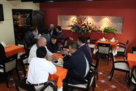 70251_006_Restaurant
