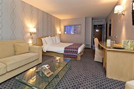93293_000_Guestroom