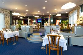 93293_005_Restaurant