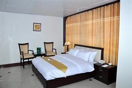 76602_005_Guestroom