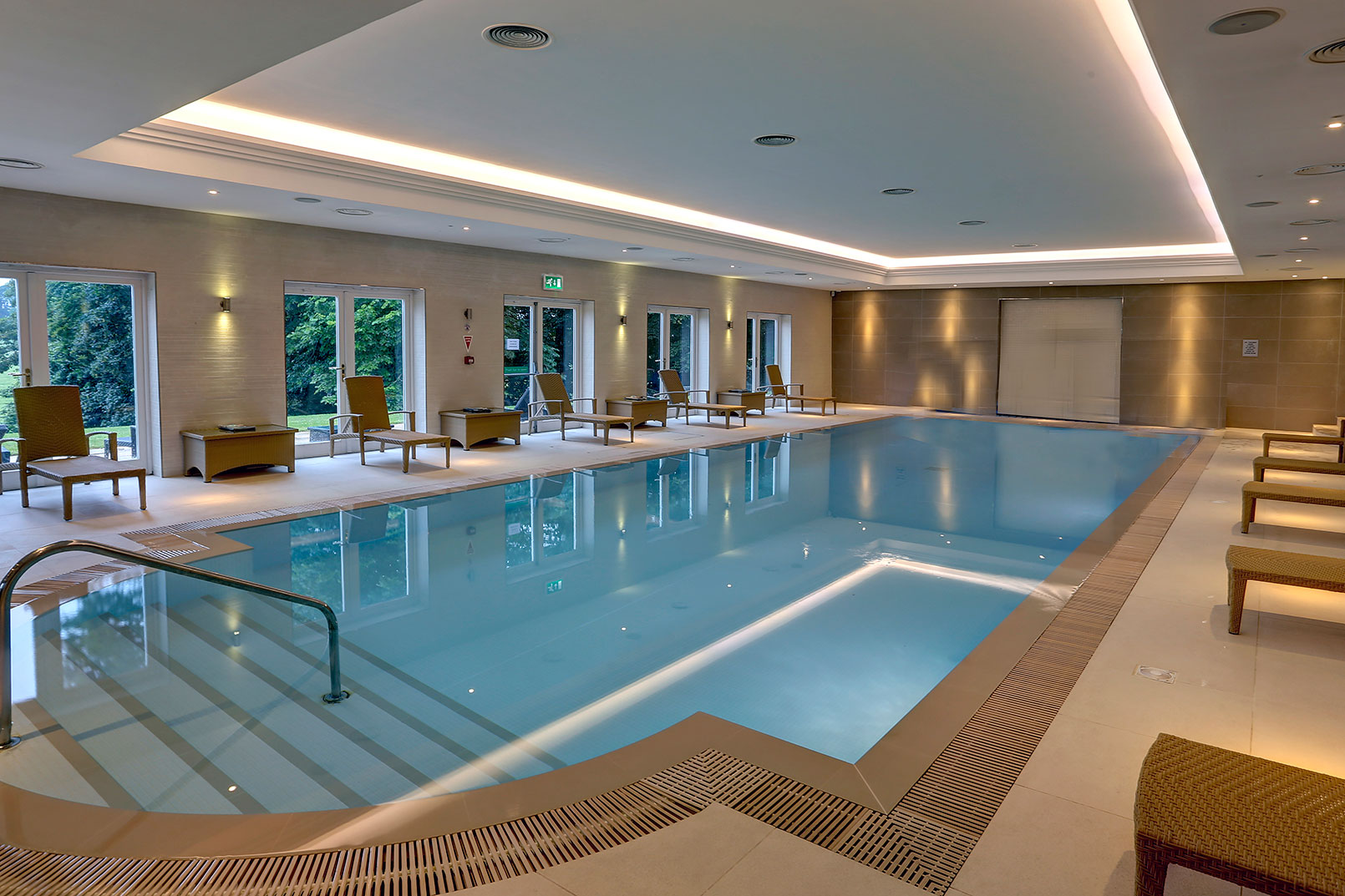 Great britain hotels best western autos post for Hotel spa 13