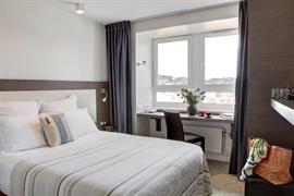 93779_002_Guestroom