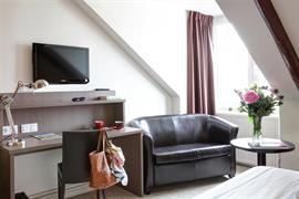 93779_004_Guestroom