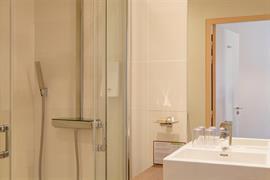 93779_006_Guestroom