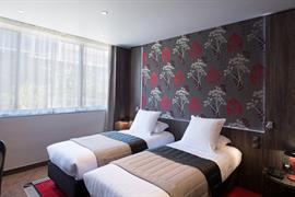 93804_006_Guestroom