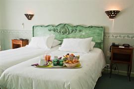 93556_003_Guestroom