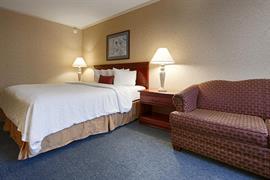 39115_005_Guestroom