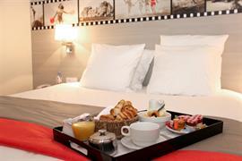 93809_002_Guestroom