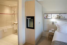 93809_004_Guestroom