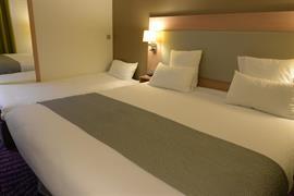 93794_006_Guestroom