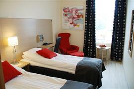 73122_005_Guestroom