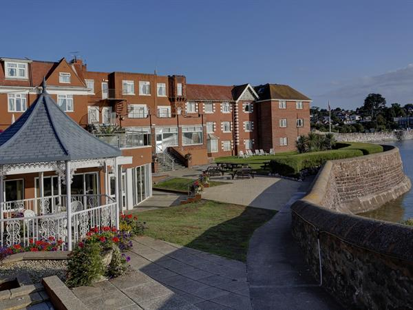 livermead-cliff-hotel-grounds-and-hotel-21-83912