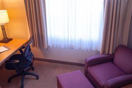 37115_006_Guestroom