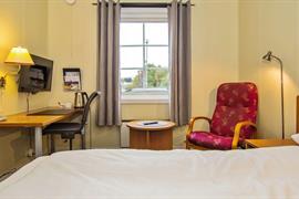 73111_007_Guestroom