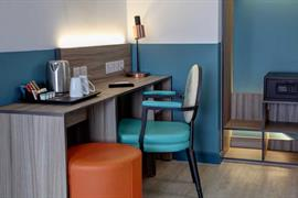 crystal-palace-queens-hotel-bedrooms-15-84225