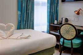 crystal-palace-queens-hotel-bedrooms-17-84225