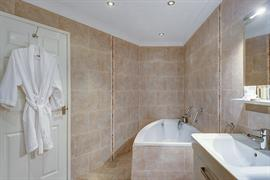 lord-haldon-country-house-hotel-bedrooms-20-83874