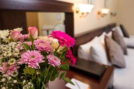 lovat-hotel-bedrooms-05-83542
