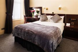lovat-hotel-bedrooms-17-83542
