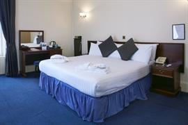 lovat-hotel-bedrooms-39-83542