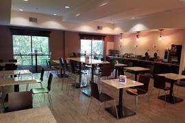 41085_007_Restaurant