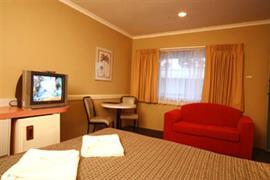 97103_004_Guestroom