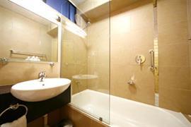 97103_006_Guestroom