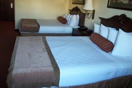44574_005_Guestroom