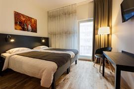 88211_007_Guestroom