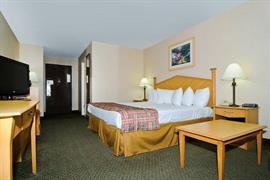 47080_006_Guestroom
