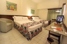 77011_002_Guestroom
