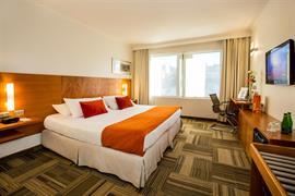 76062_003_Guestroom