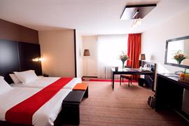 93552_002_Guestroom