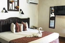 70167_001_Guestroom