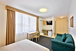 90288_005_Guestroom