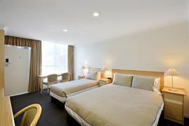 90288_007_Guestroom