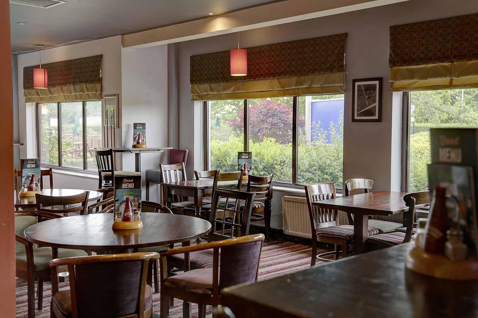 Milton Keynes Hotel Dining 03 83989