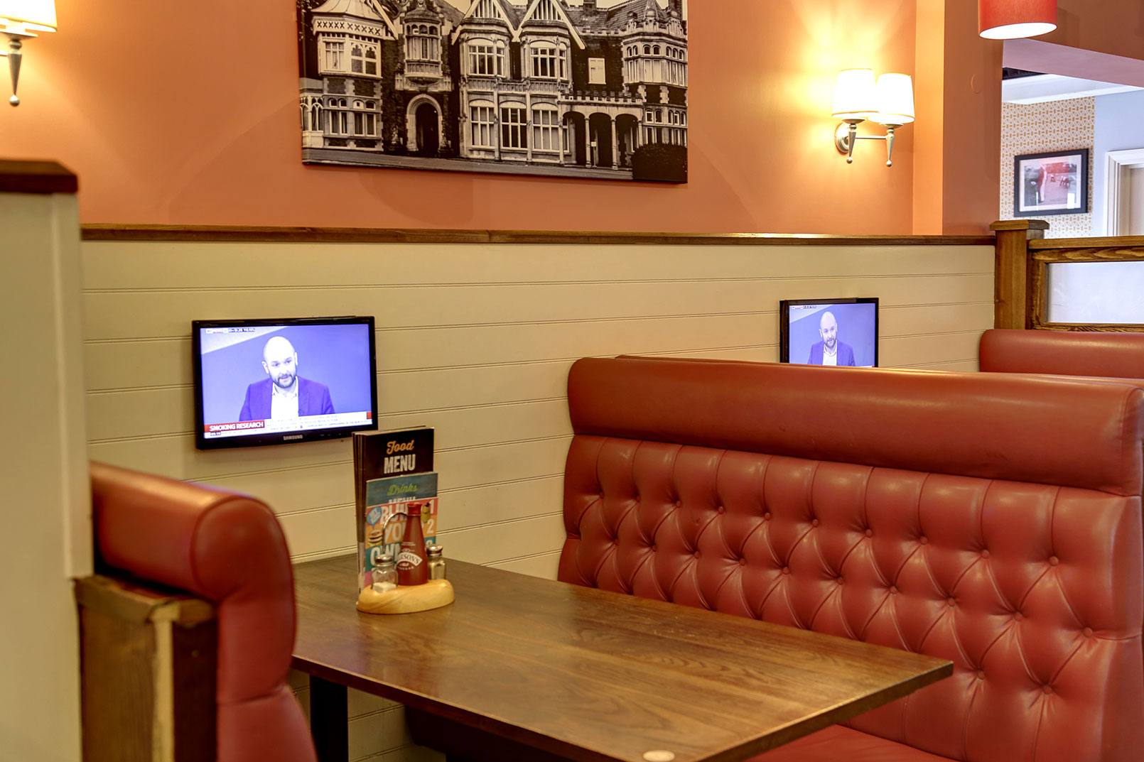 Elegant ... Milton Keynes Hotel Dining 09 83989 ... Part 20