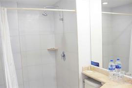 70282_004_Guestroom