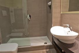 98364_006_Guestroom