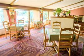 32038_002_Restaurant