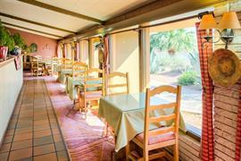 32038_003_Restaurant